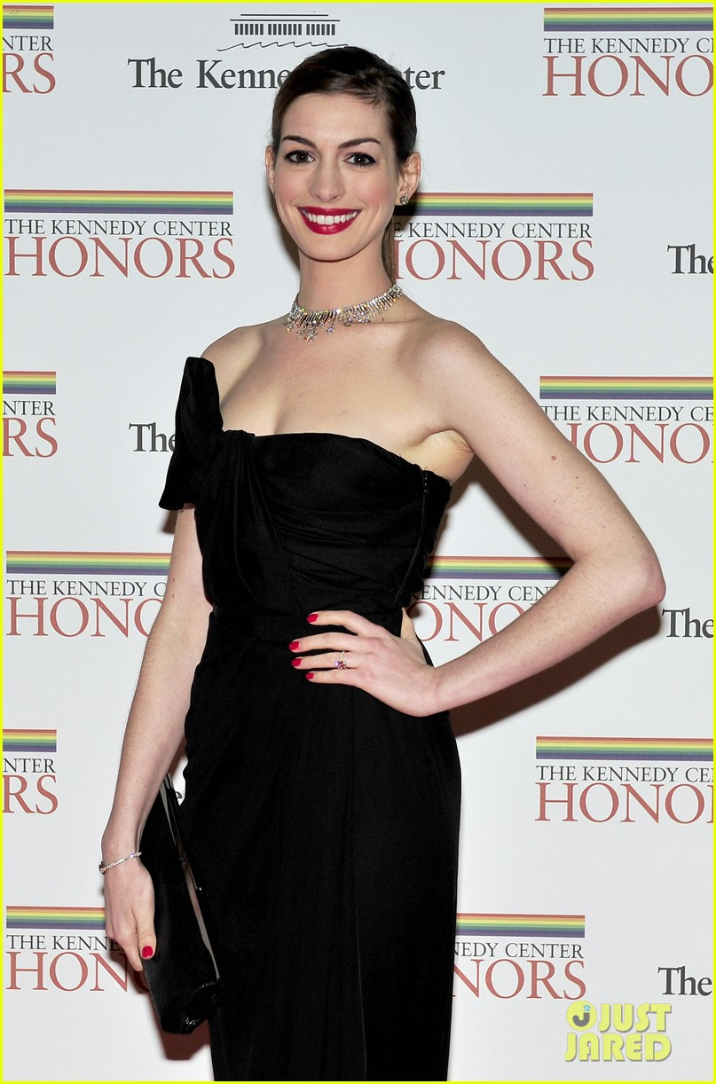 anne hathaway adam shulman kennedy center honors 02
