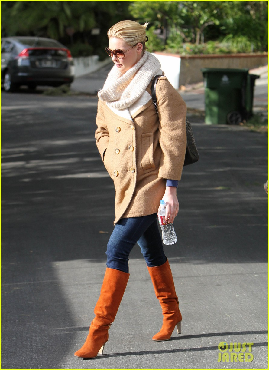 katherine heigl bundles up 06