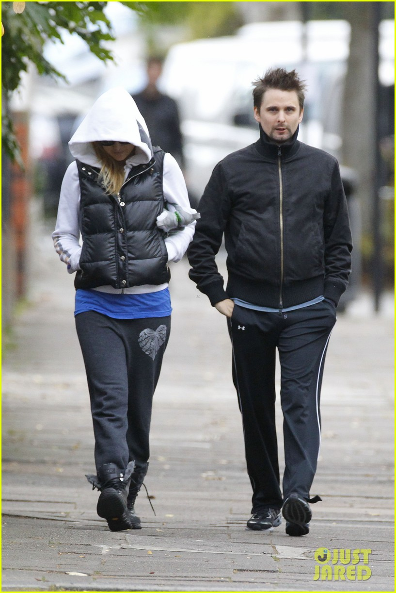 kate hudson matt bellamy bundled london 01