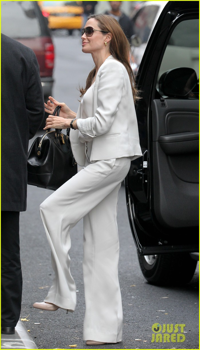 angelina jolie white suit nyc 03