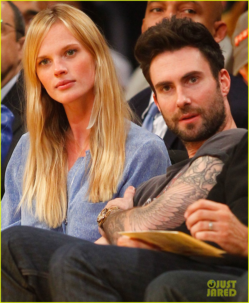 adam levine anne v lakers lovers 09