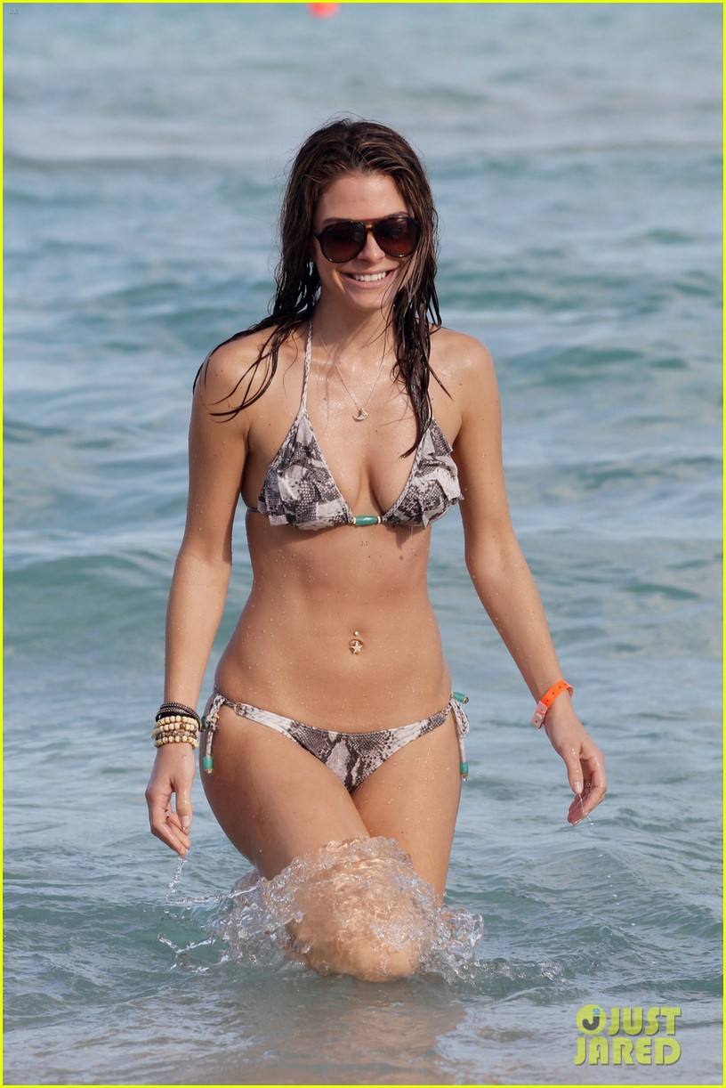maria menounos bikini ocean 012613243