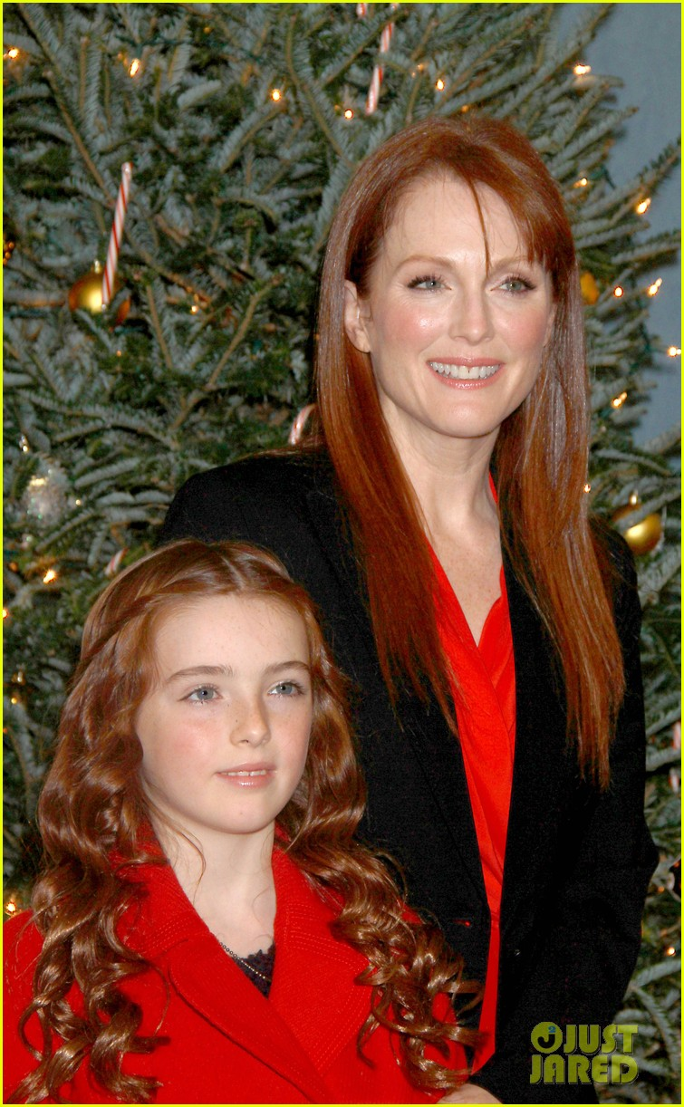 julianne moore freckleface musical 022609224