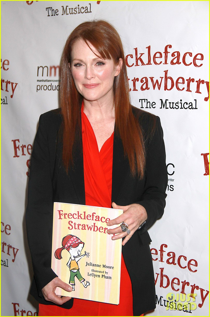 julianne moore freckleface musical 04