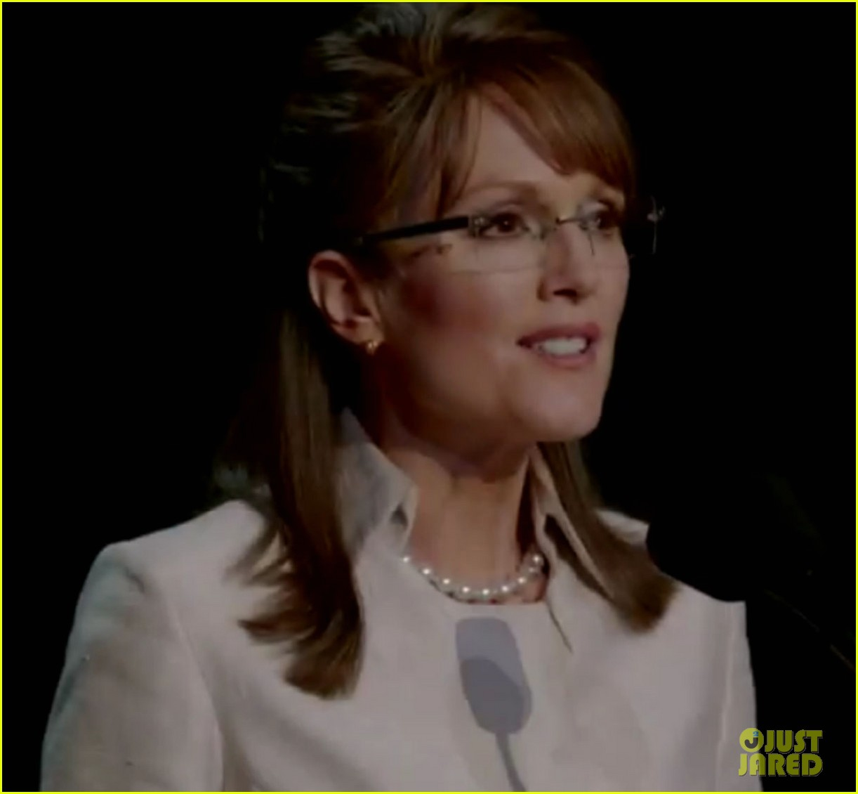 julianne moore sarah palin 022611634