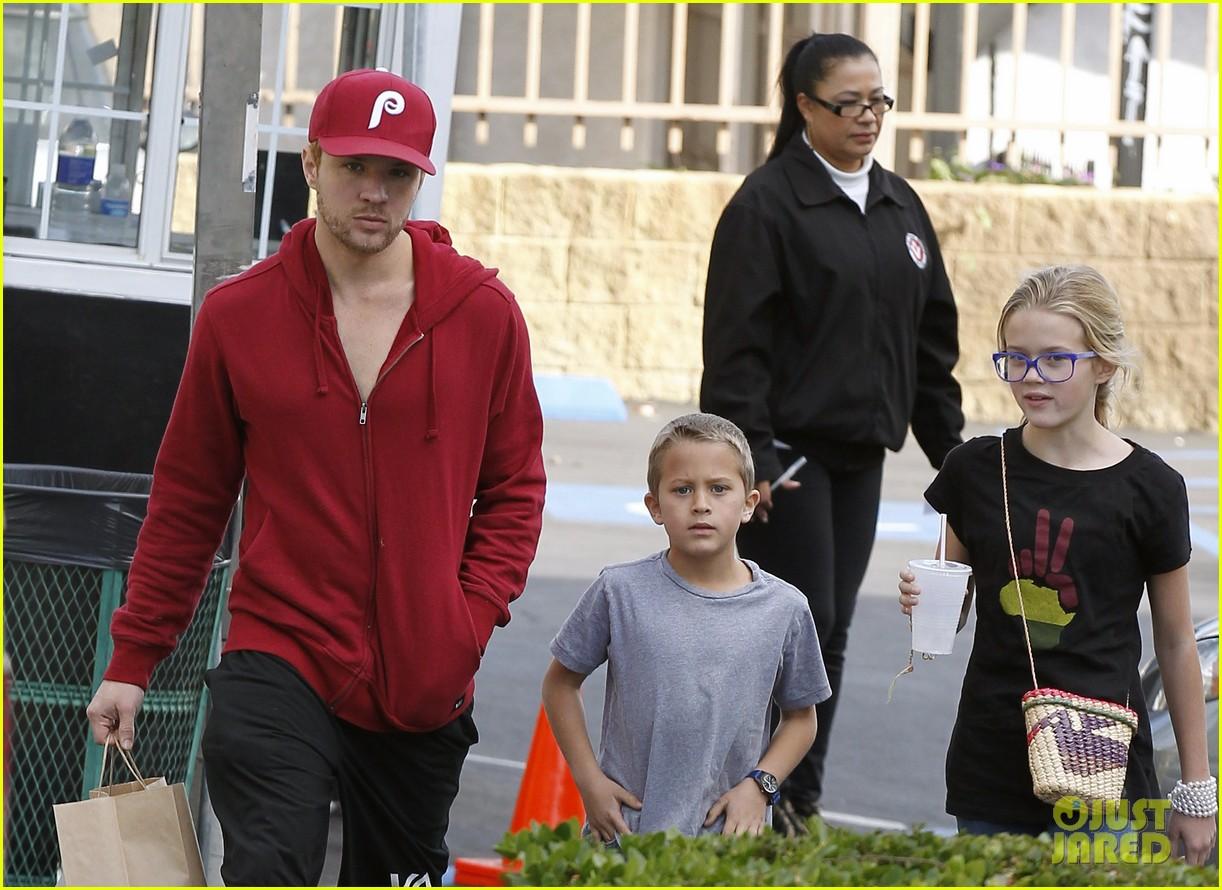 Ryan Phillippe: Sunday Lunch with Ava & Deacon!: Photo ... Ryan Phillippe Children