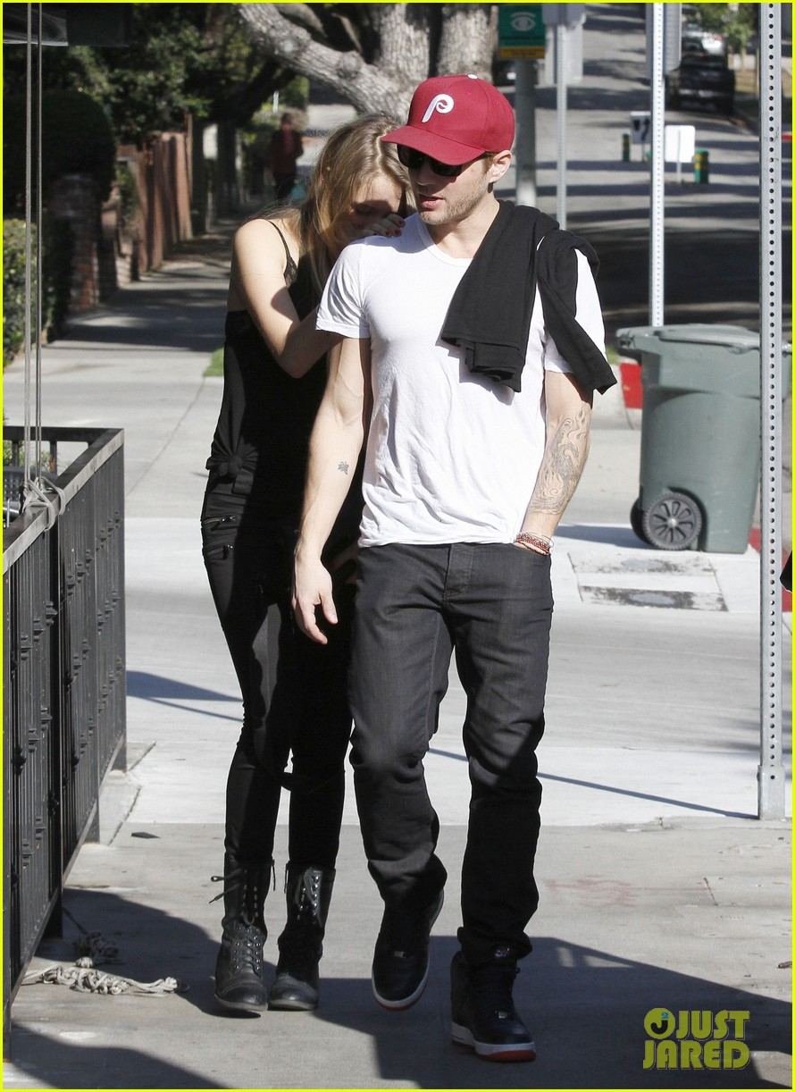 ryan phillippe lunch mystery gal 11