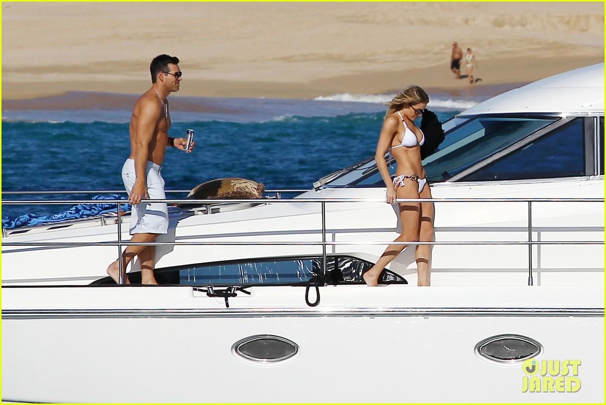 leann rimes eddie cibrian boat 03