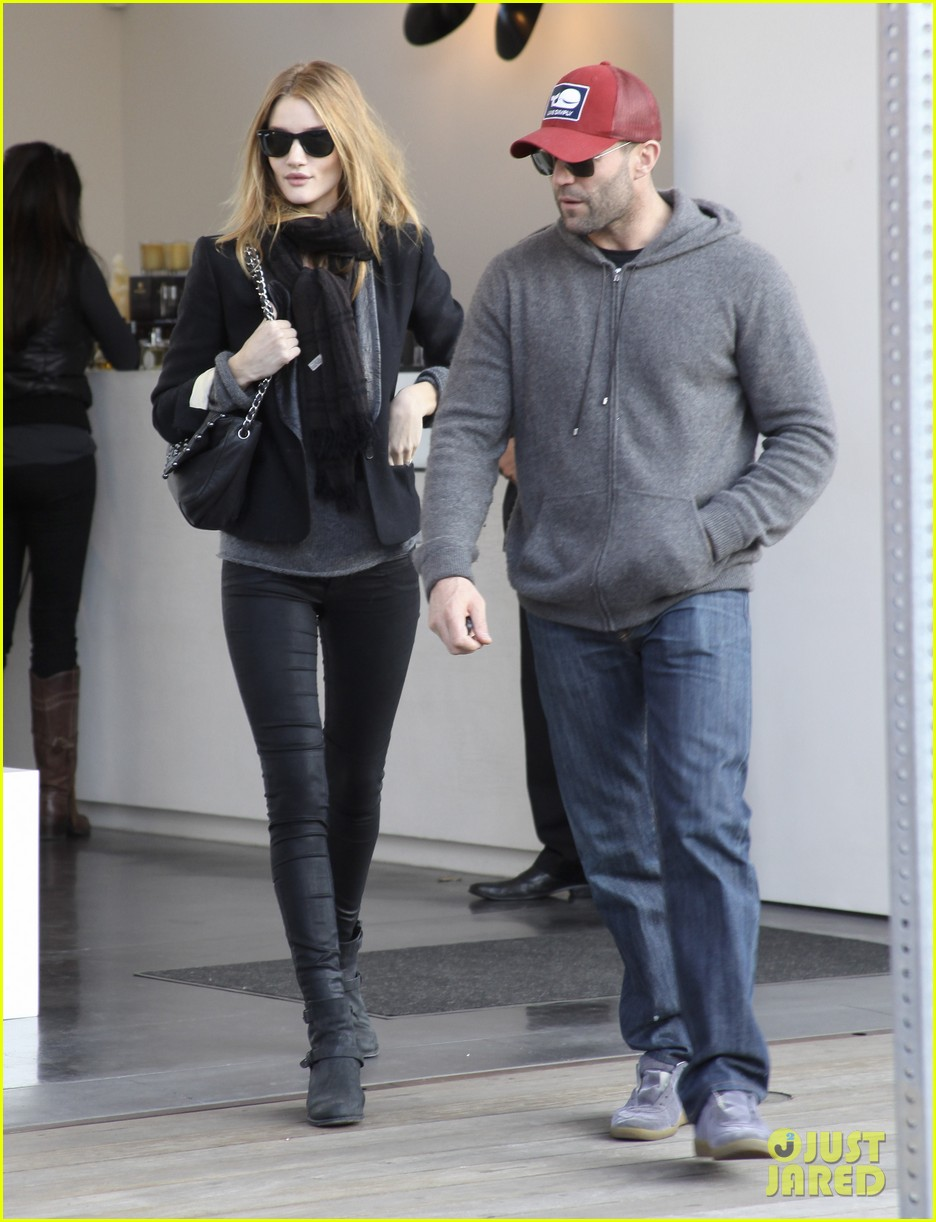 rosie huntington whiteley jason statham shop beverly hills 032611087