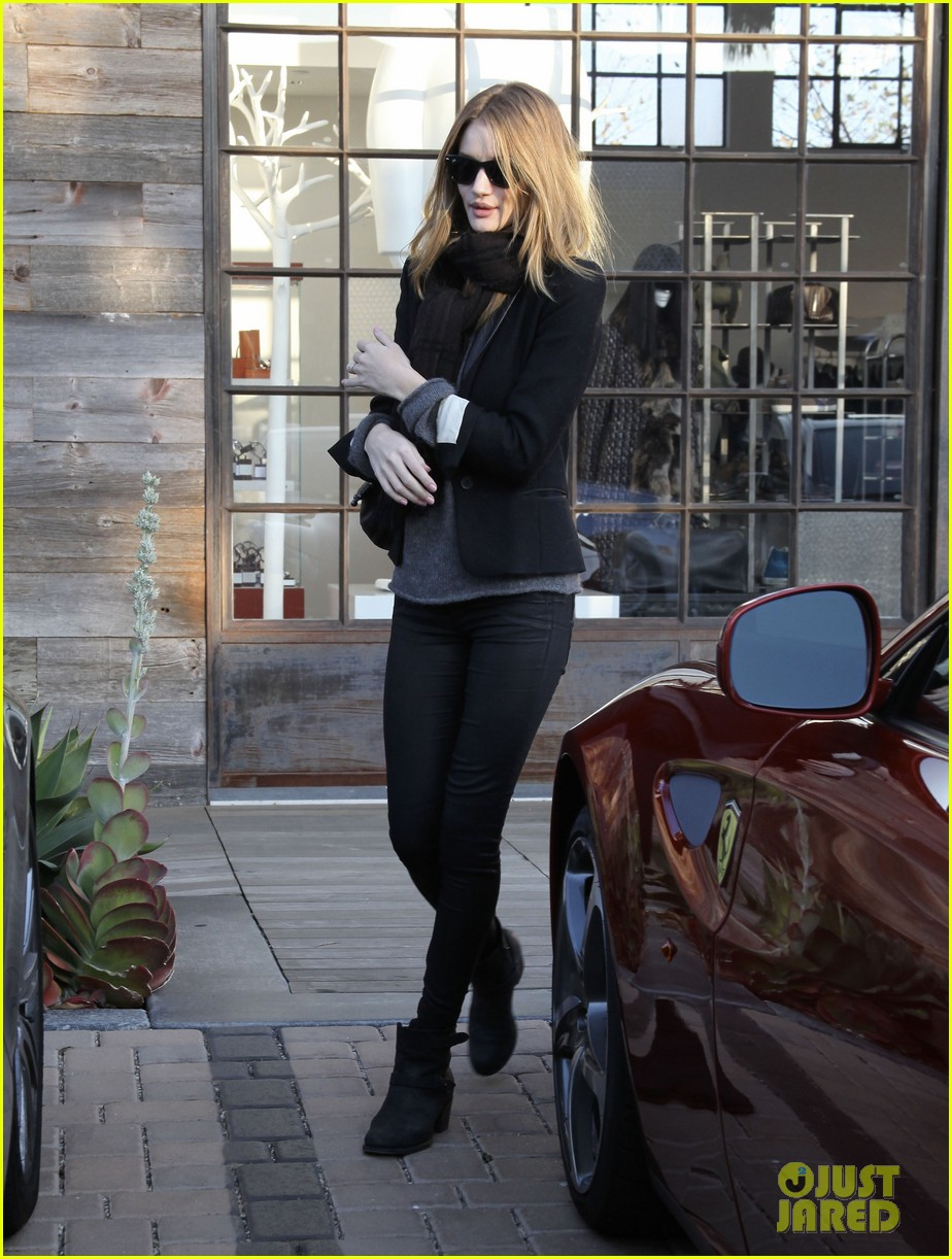 rosie huntington whiteley jason statham shop beverly hills 062611090
