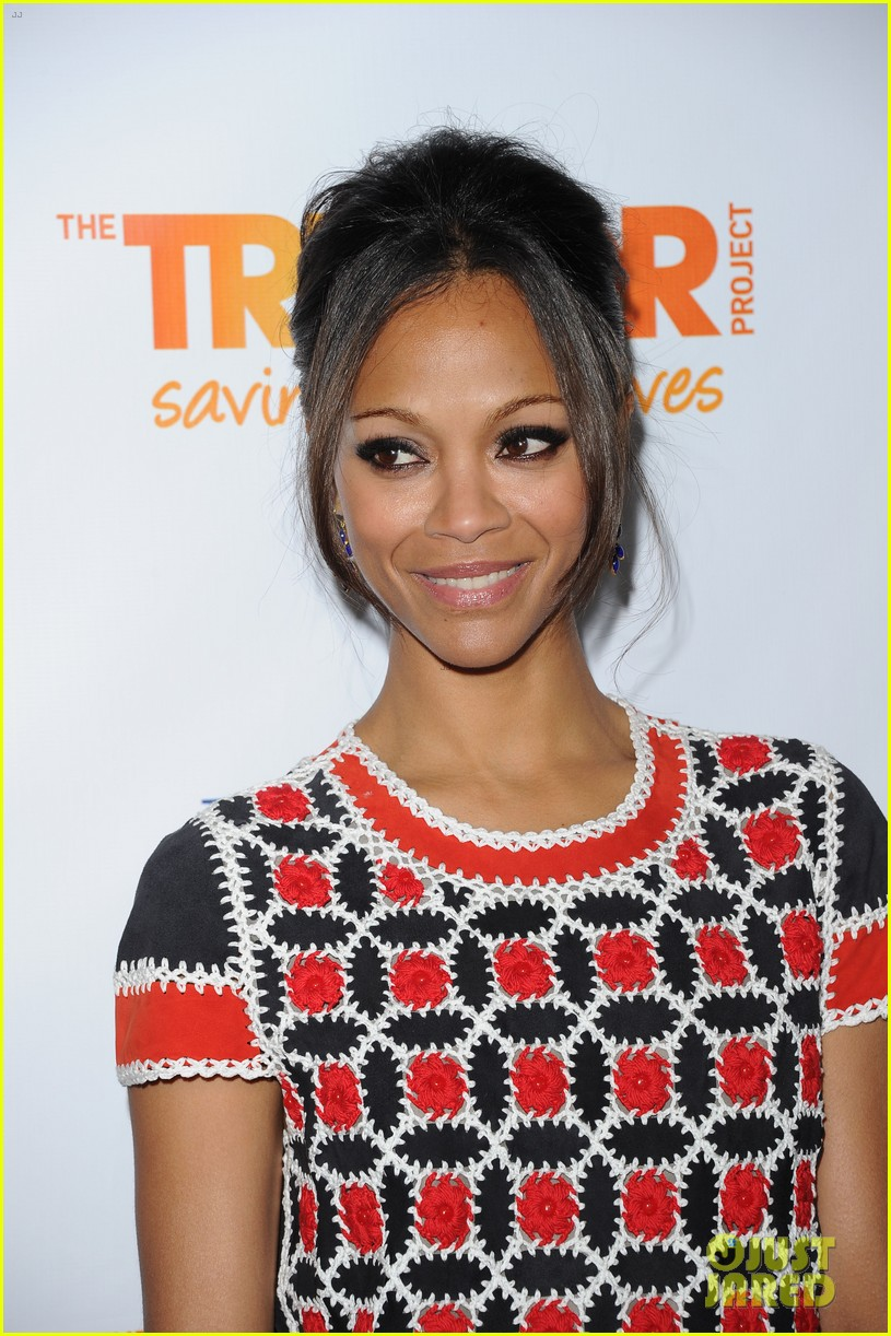 zoe saldana trevor project live 2011 with zachary quinto 02
