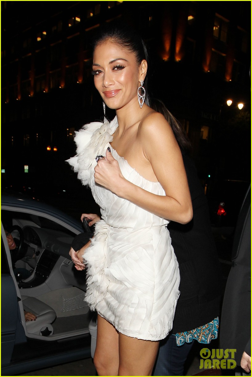 nicole scherzinger beso dinner 04