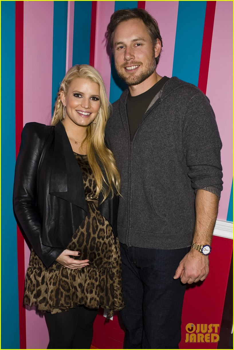 jessica simpson eric johnson girls event 01