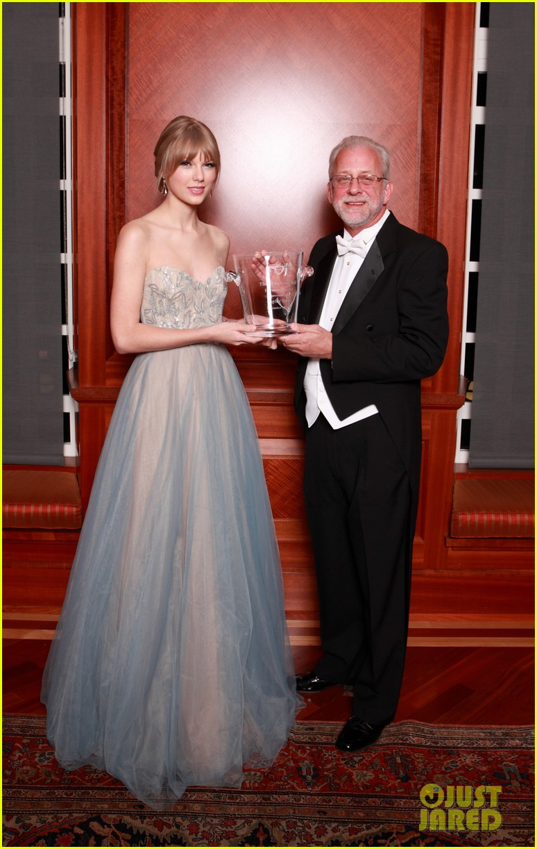 taylor swift nashville symphony ball 012609125