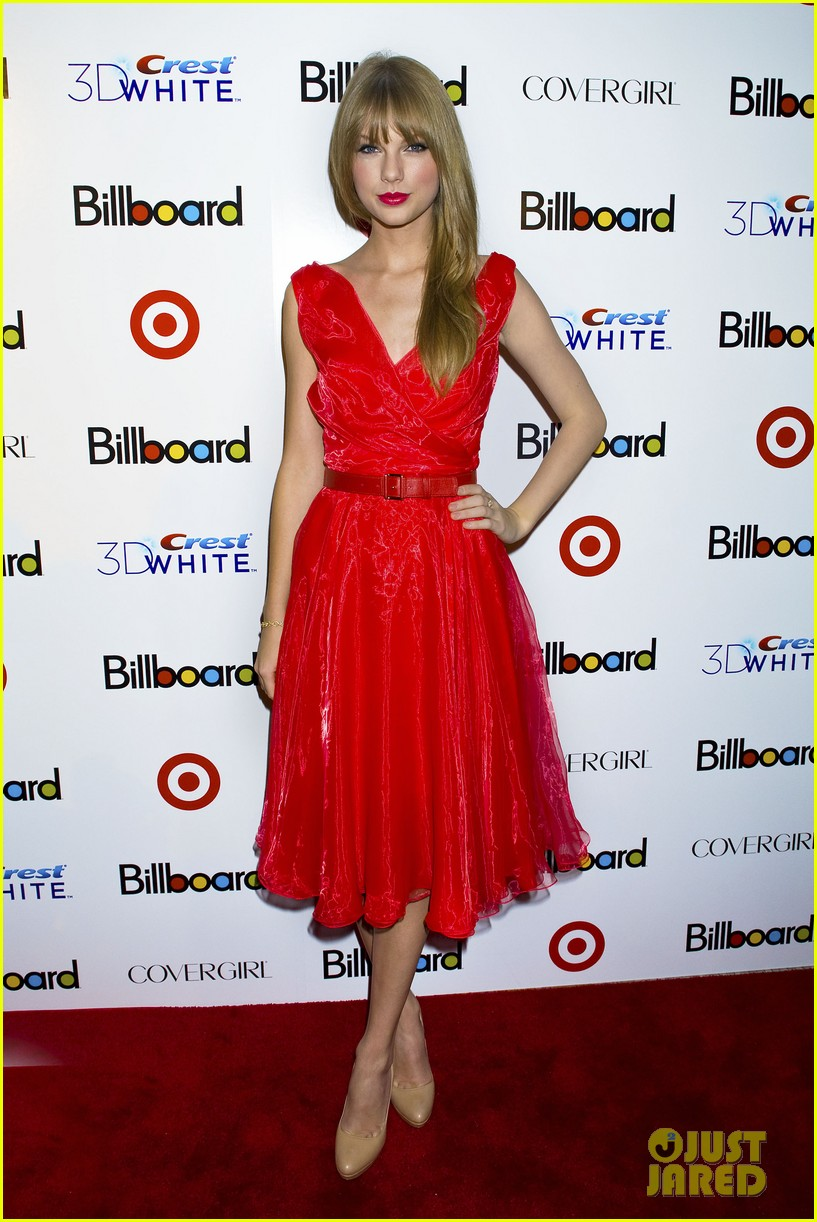 taylor swift billboard women music 01