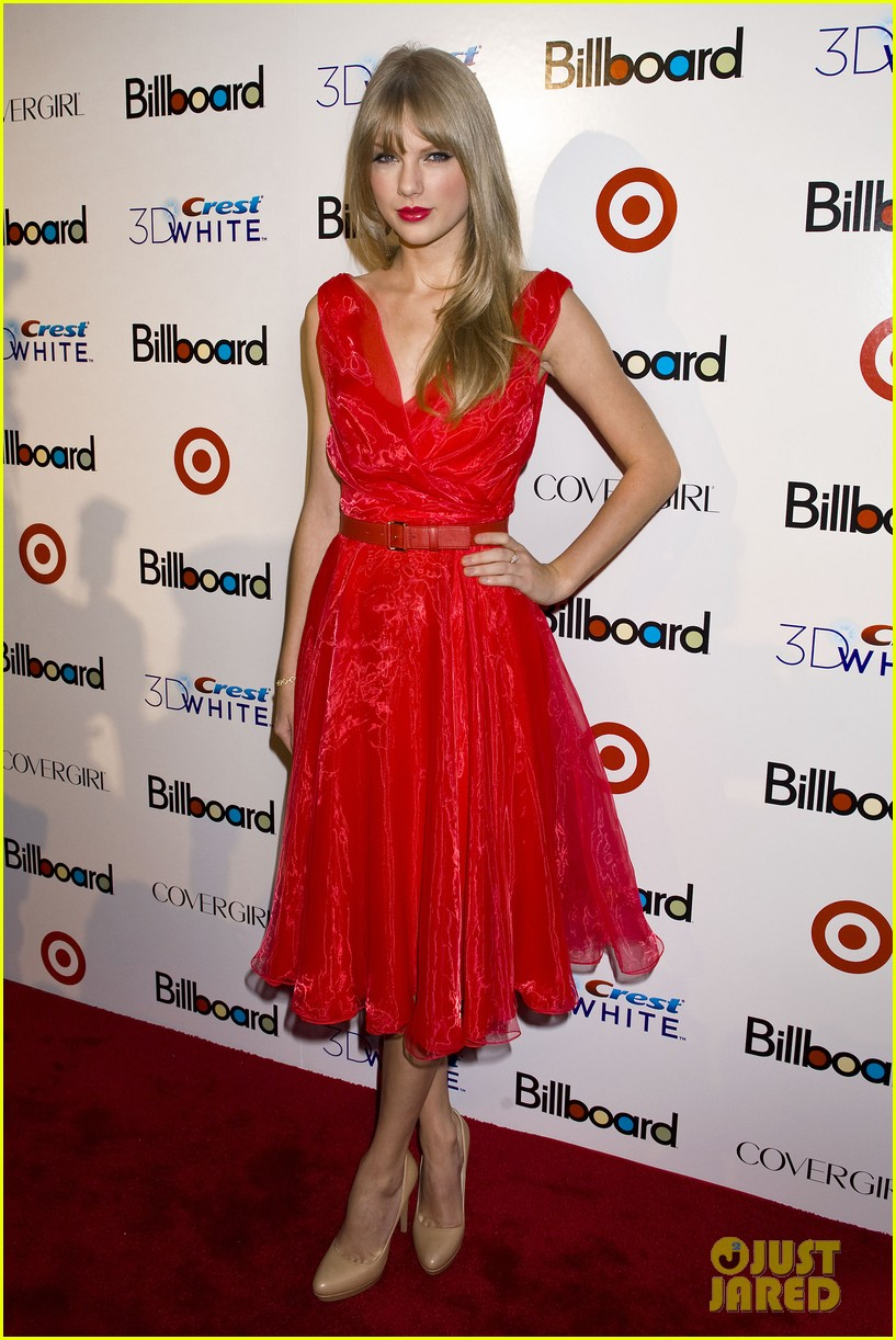 taylor swift billboard women music 07