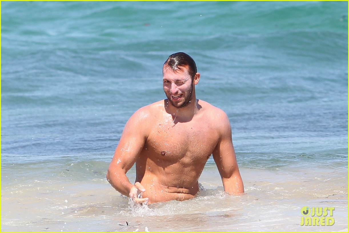 ian thorpe shirtless 012613150