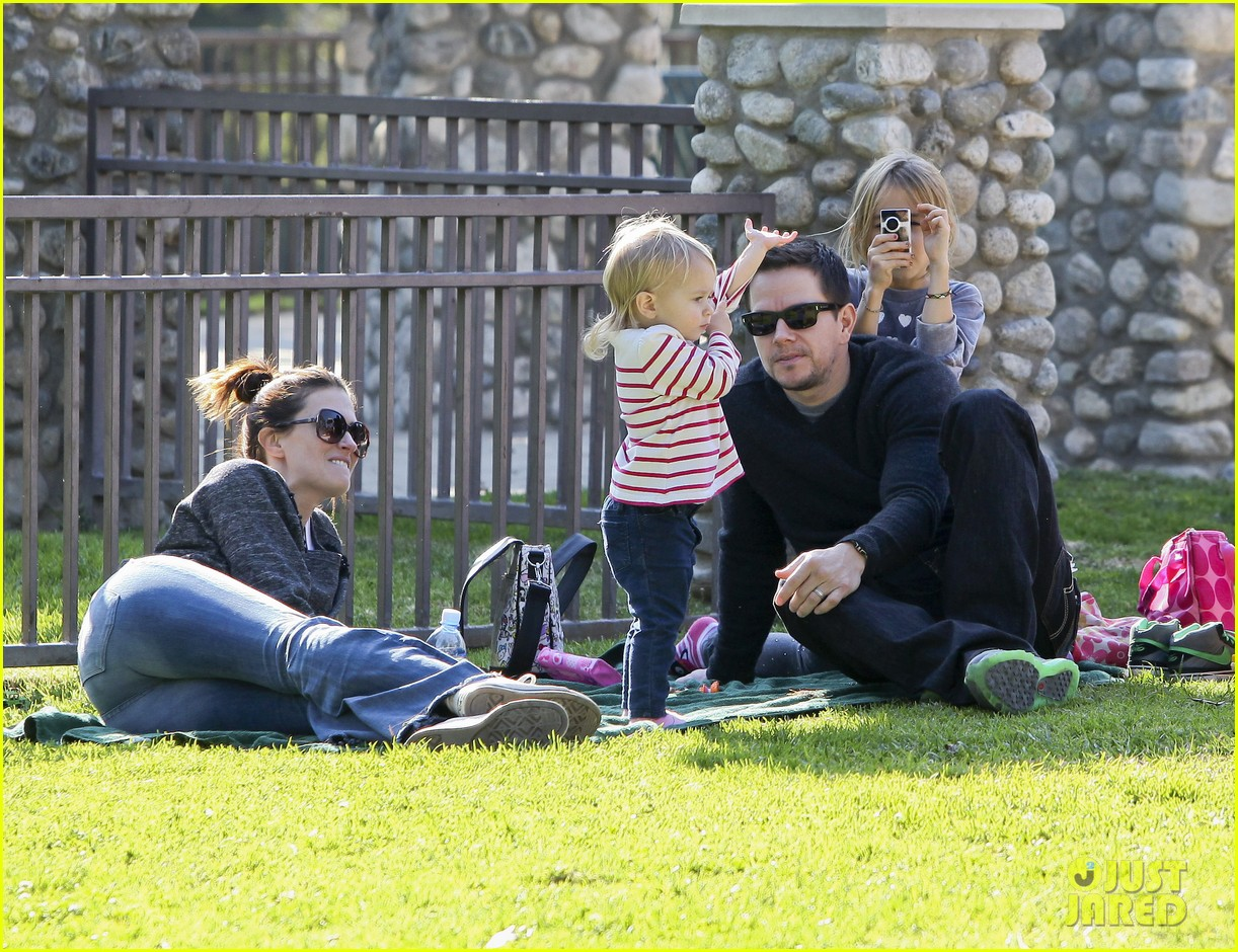 mark wahlberg family park day 012611923