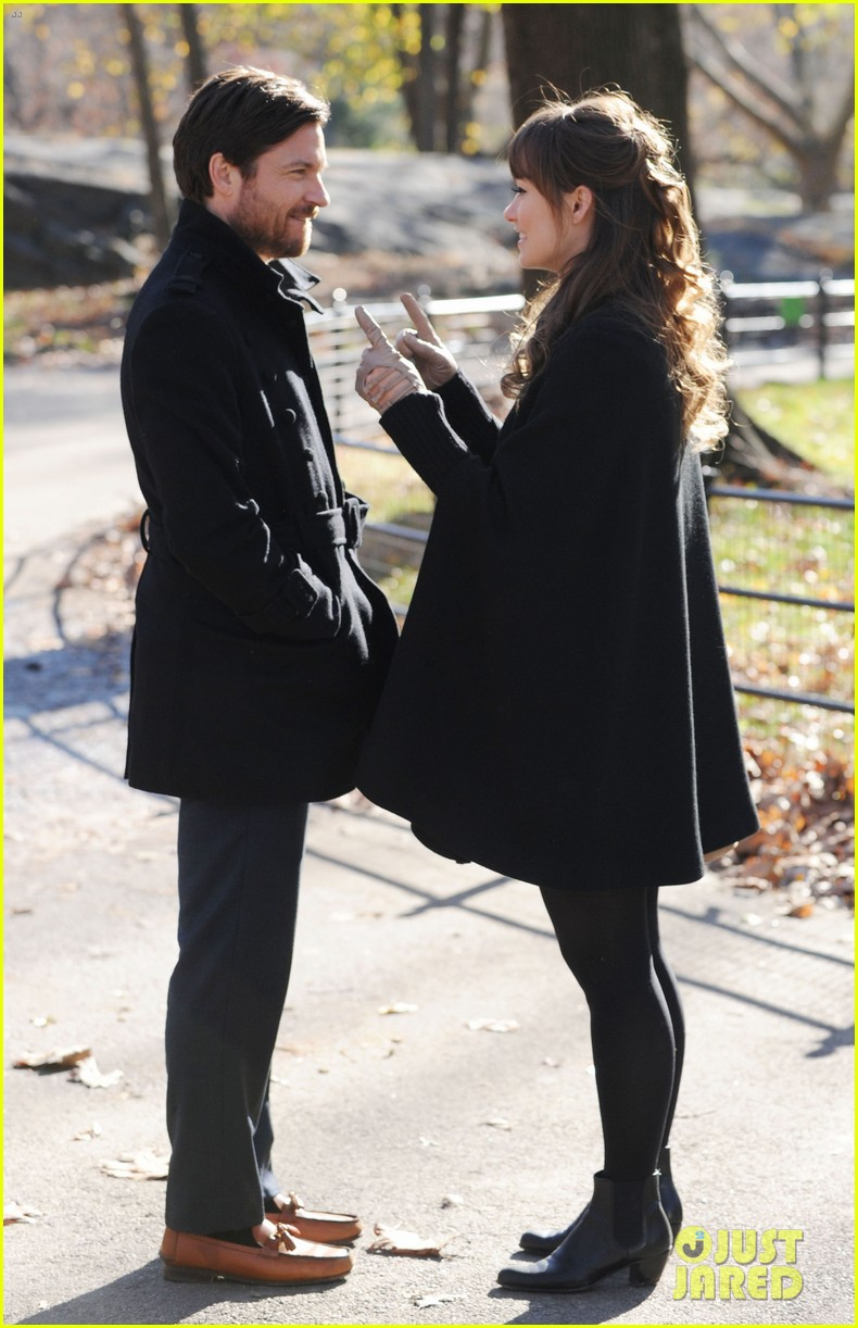 olivia wilde jason bateman longest week kiss in central park 06