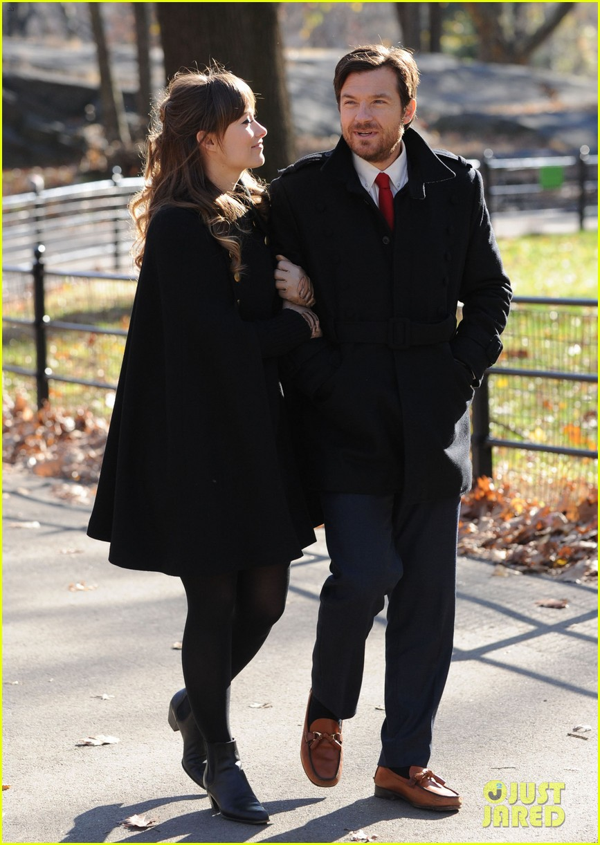 olivia wilde jason bateman longest week kiss in central park 11
