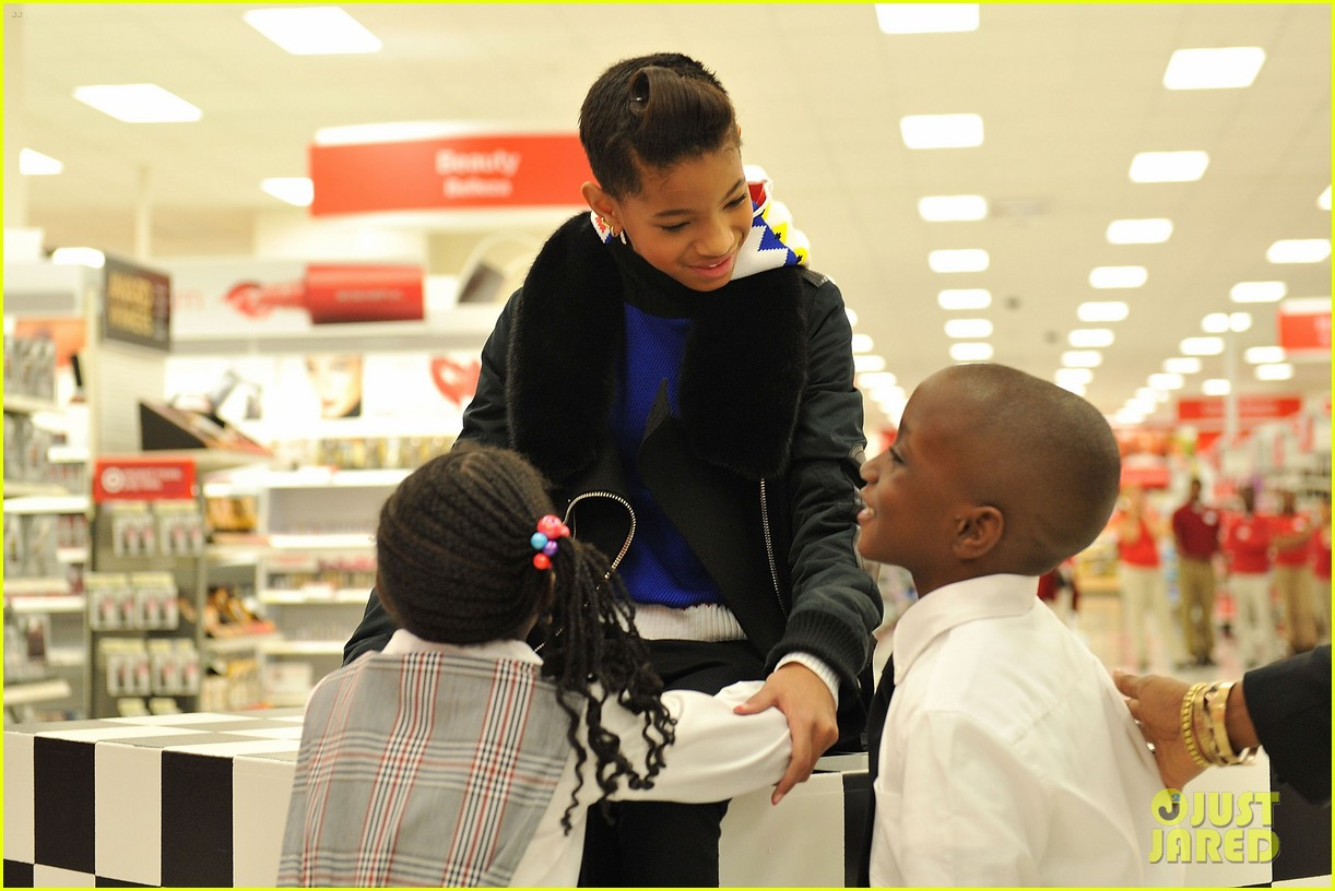willow smith target shopping spree boys girls club 05