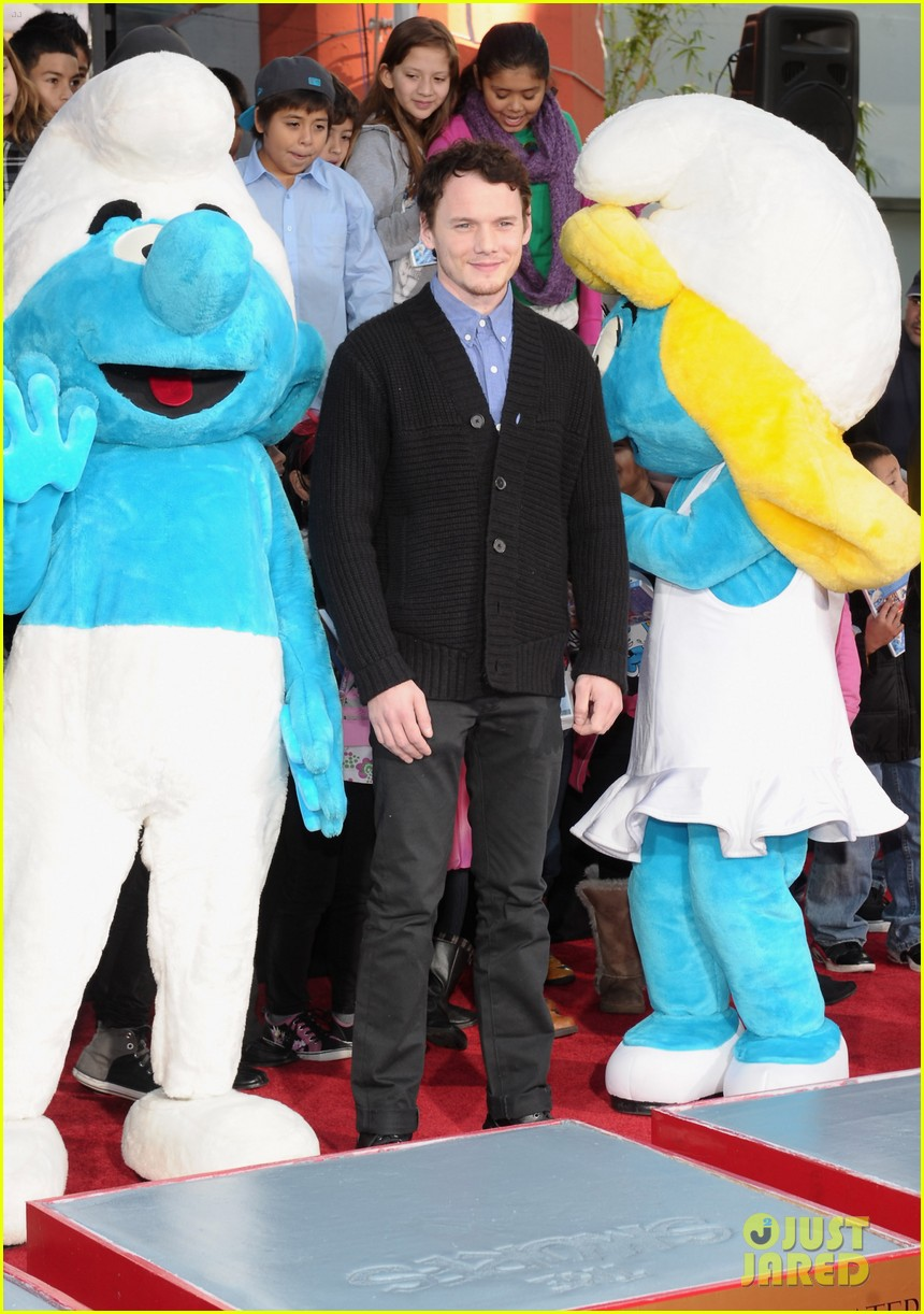 anton yelchin smurfs star 05