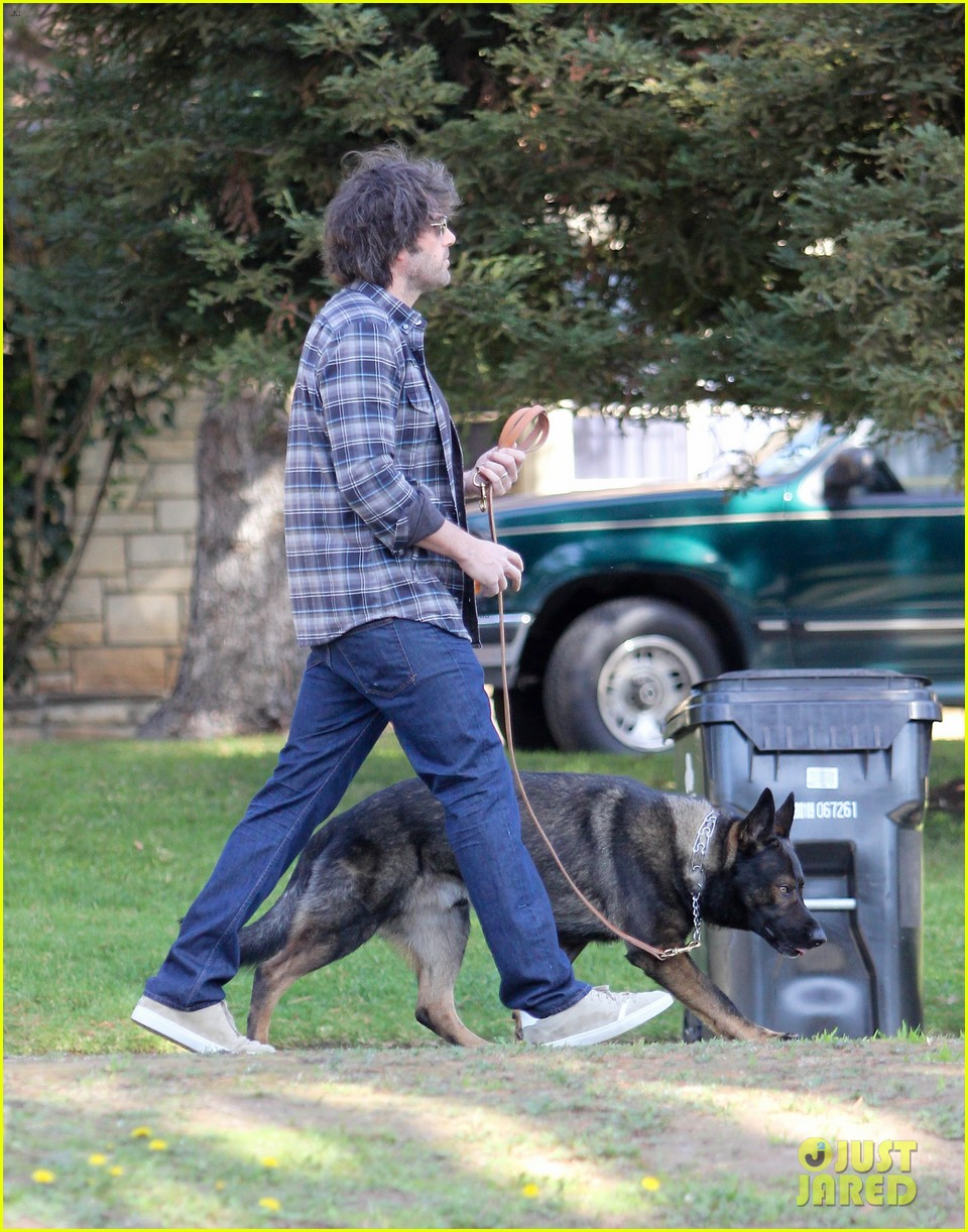 ben affleck morning dog jog 132614128
