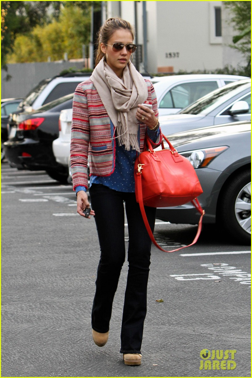 Full Sized Photo of jessica alba bright red bag santa monica 02 | Photo 2622059 | Just Jared