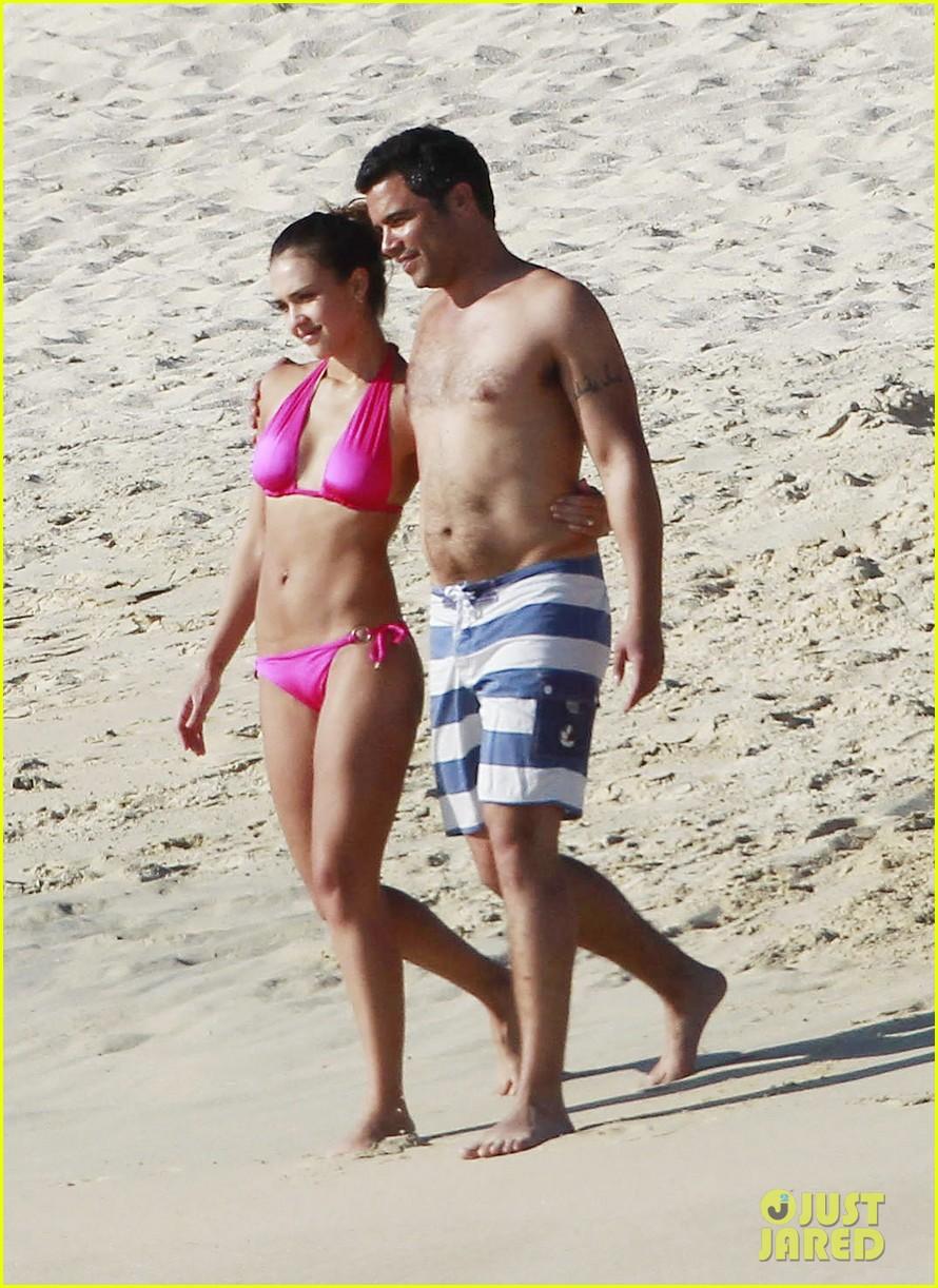 jessica alba hot pink bikini 04