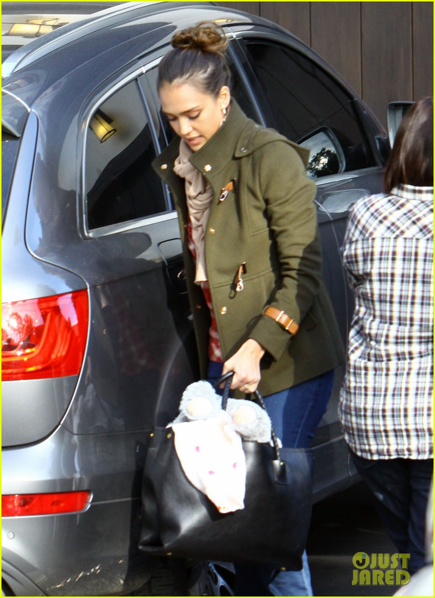 jessica alba shopping honor 02