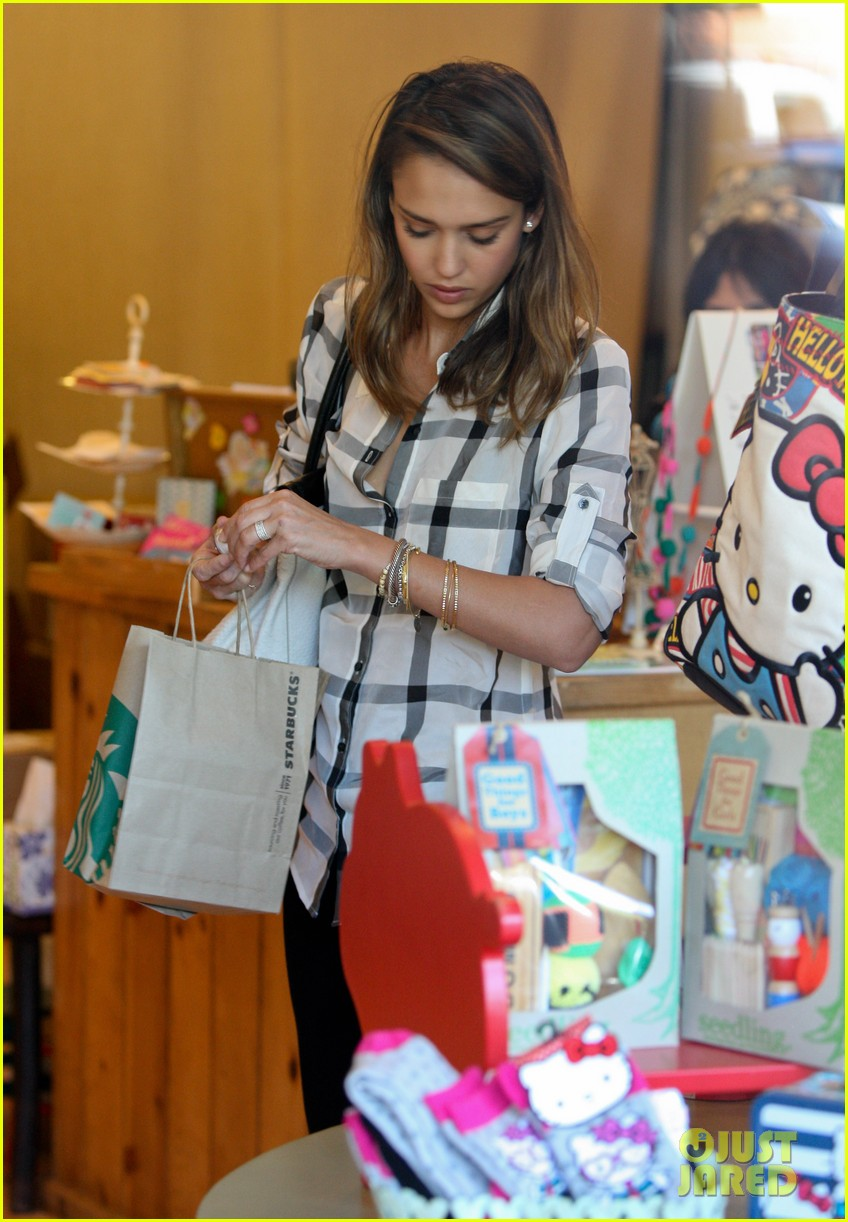 jessica alba shopping honor 18
