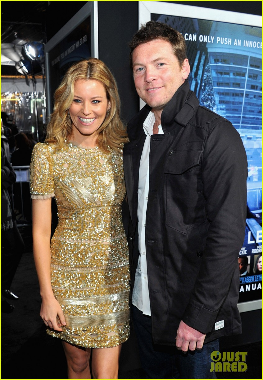 elizabeth banks sam worthington man cliff premiere 17