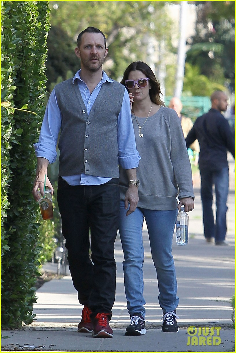 drew barrymore friend starbucks 14