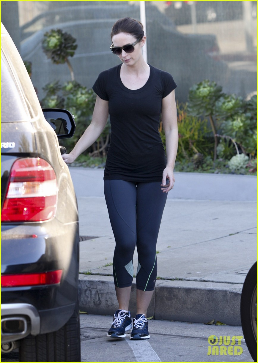 emily blunt leaving gym 07