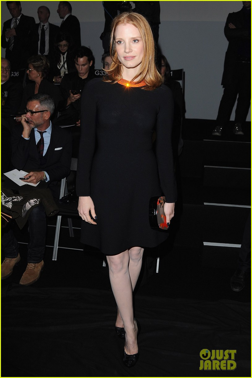 jessica chastain armani prive paris fashion week 03