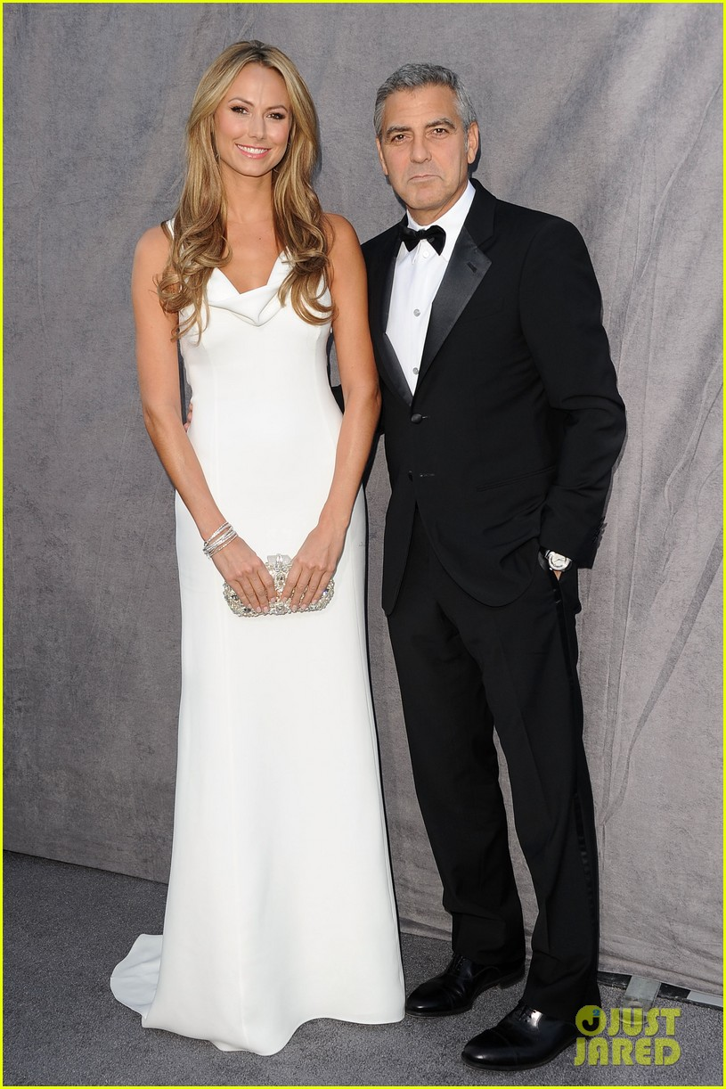 george clooney stacy keibler 2012 critics choice awards 06