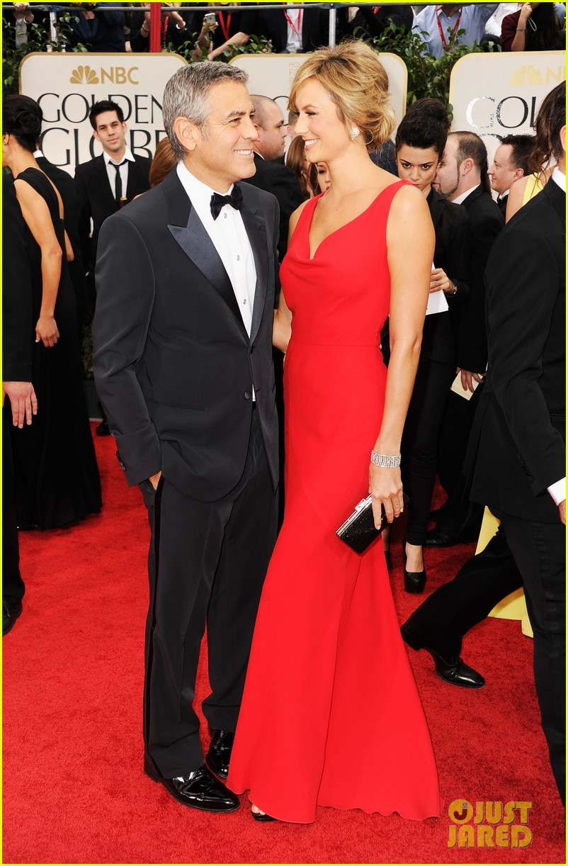 george clooney stacy keibler golden globes 2012 05