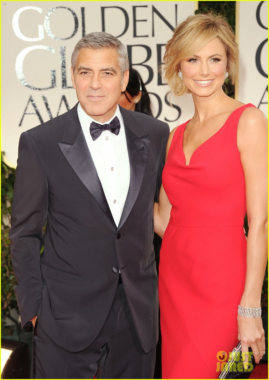 george clooney stacy keibler golden globes 2012 062618368