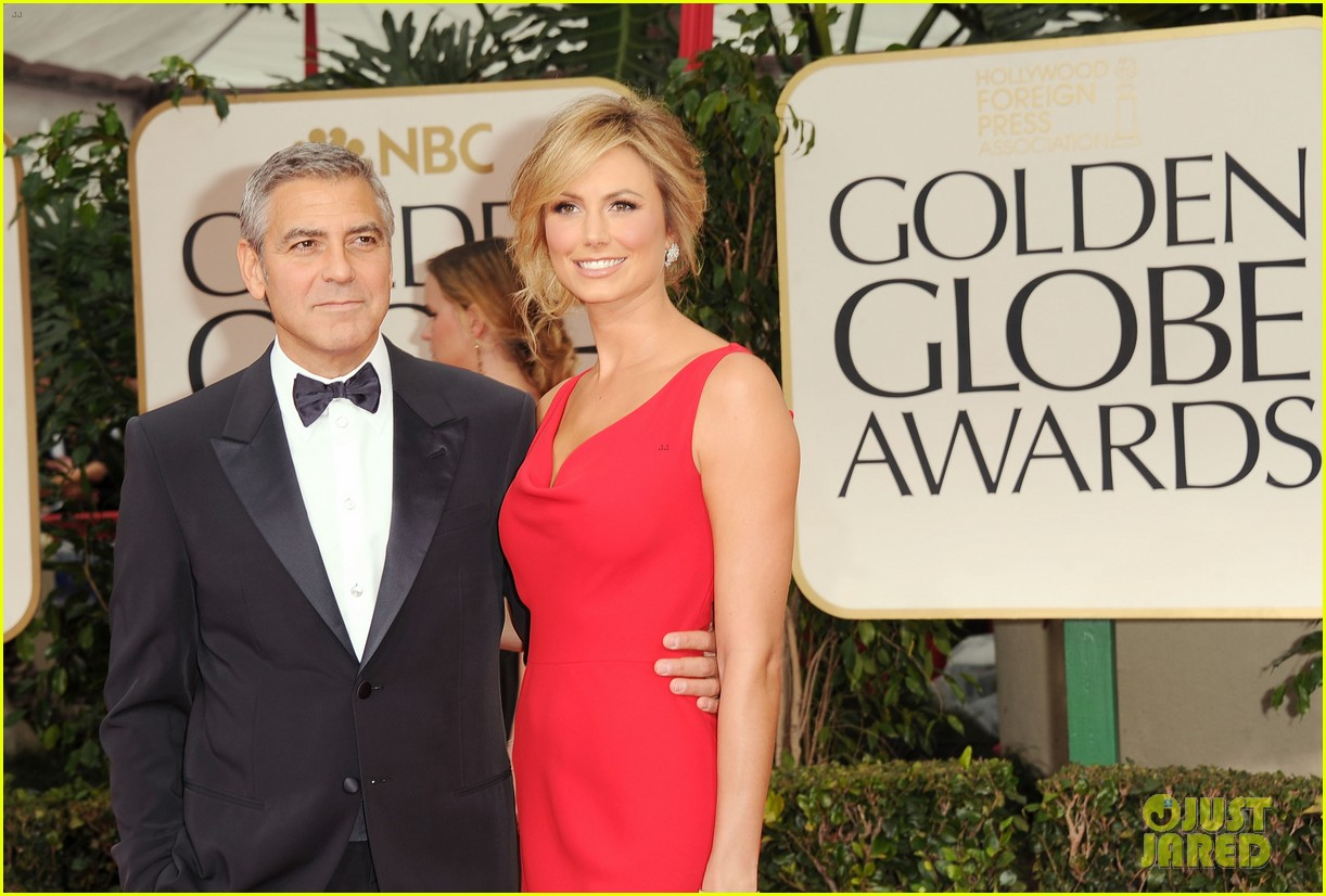 george clooney stacy keibler golden globes 2012 09
