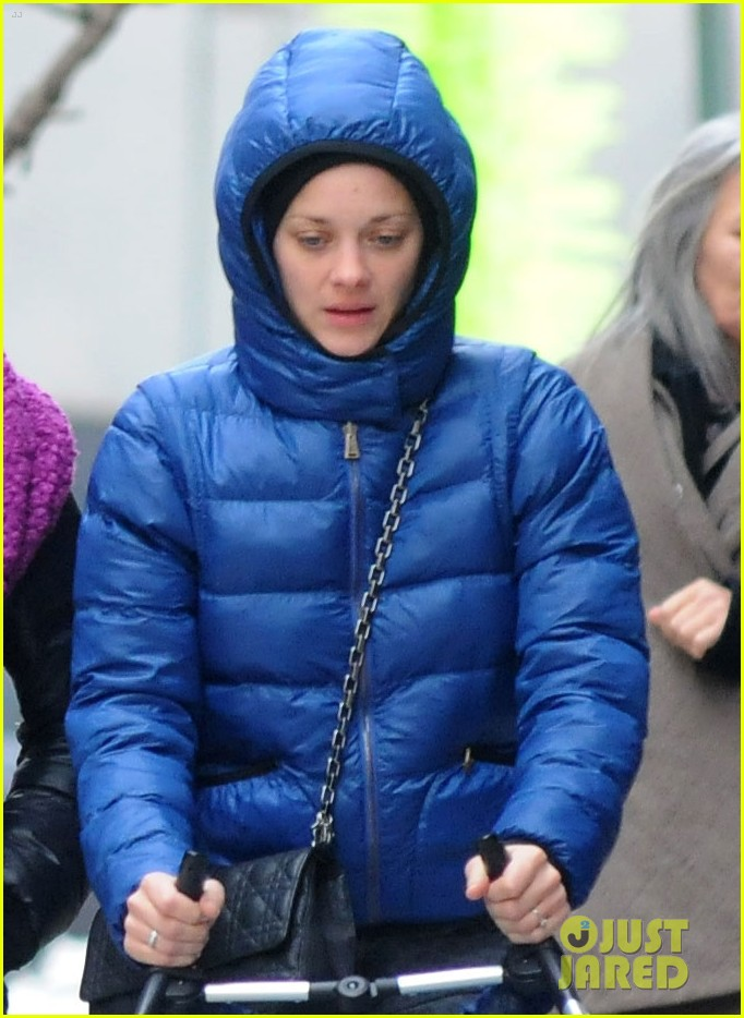 marion cotillard stroller marcel 02