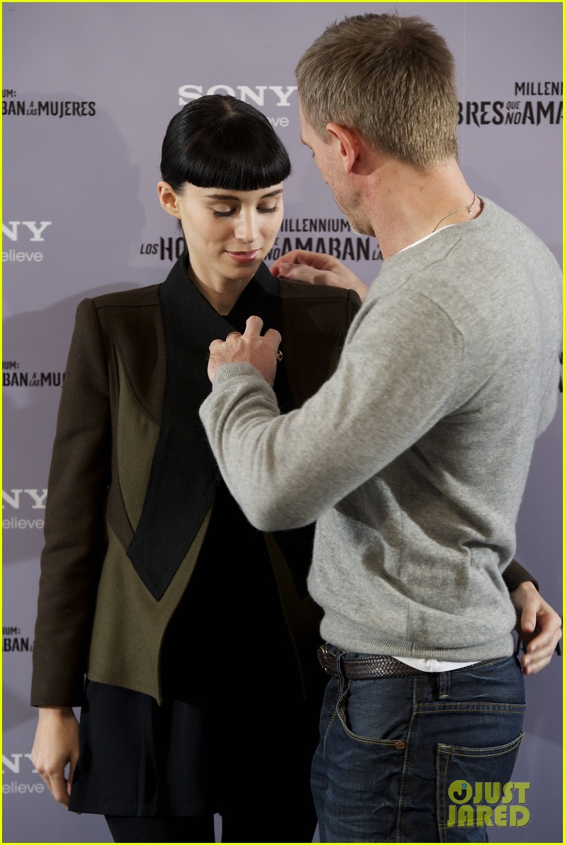 daniel craig rooney mara dragon tattoo madrid photo call 03