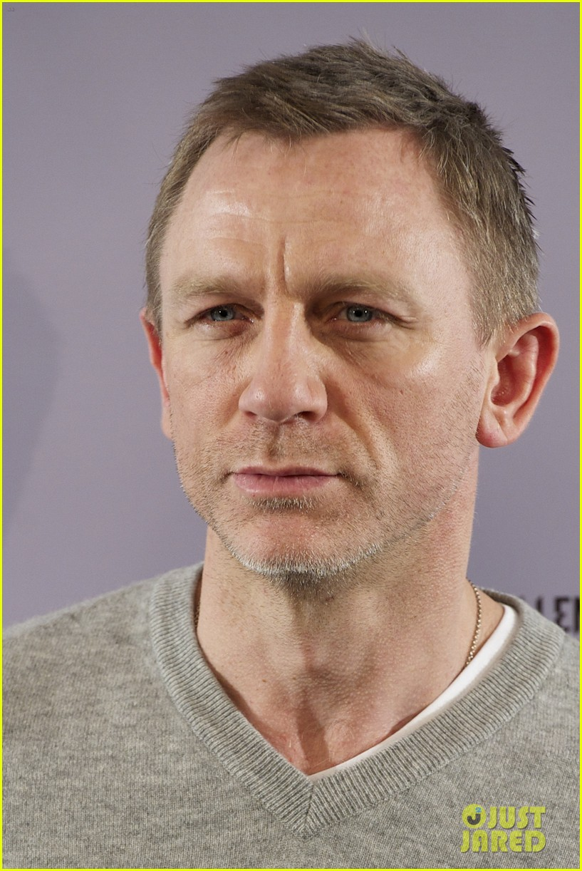 daniel craig rooney mara dragon tattoo madrid photo call 06