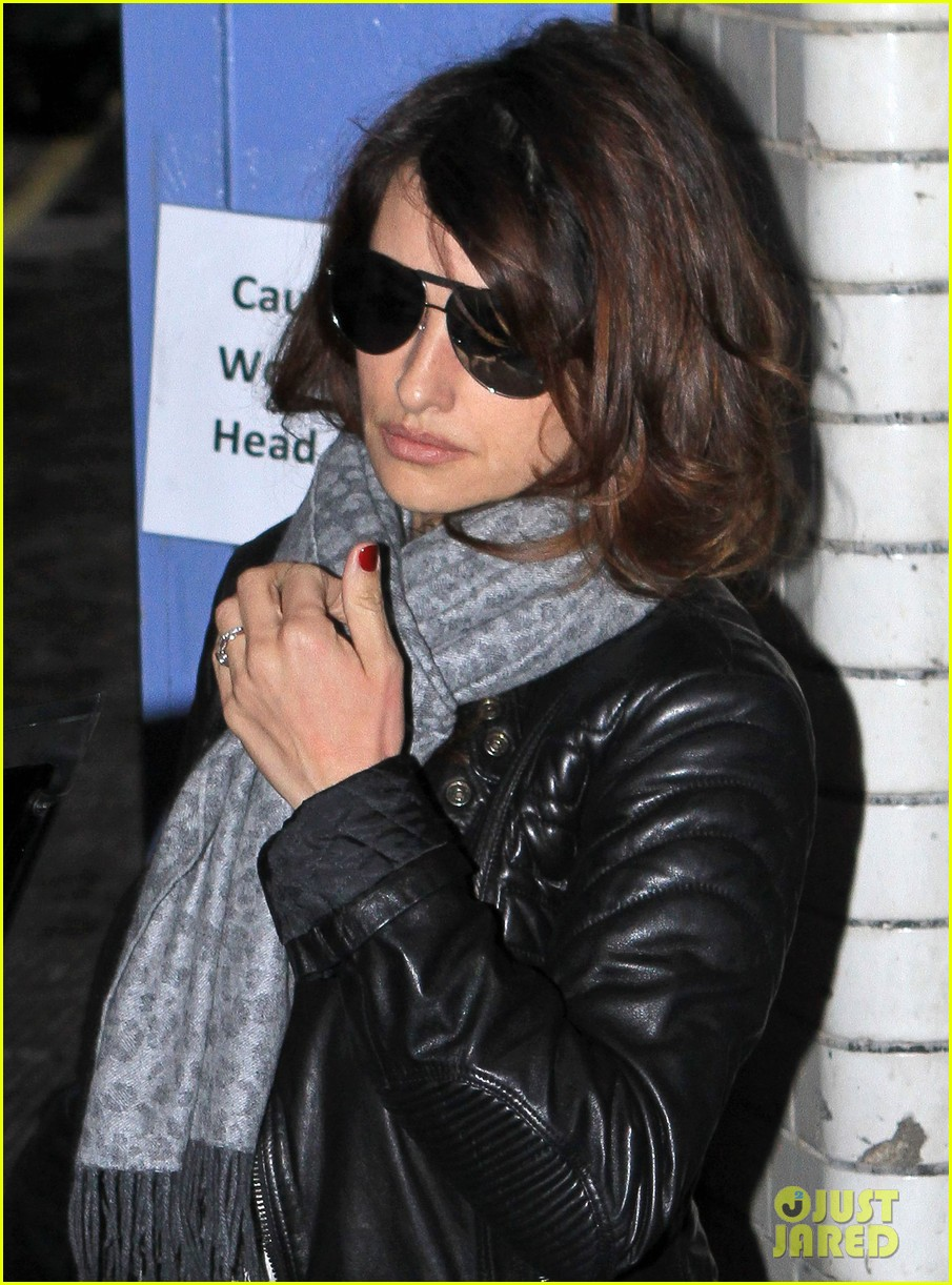 penelope cruz retail therapy in london 06