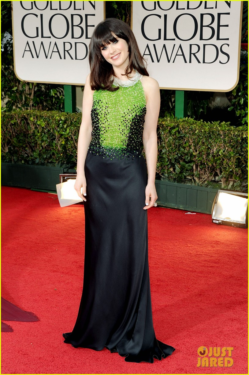 emily zooey deschanel golden globes 042618409