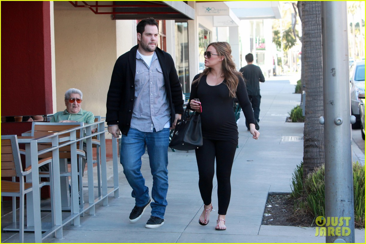 hilary duff mike comrie checkup doctor 052621907