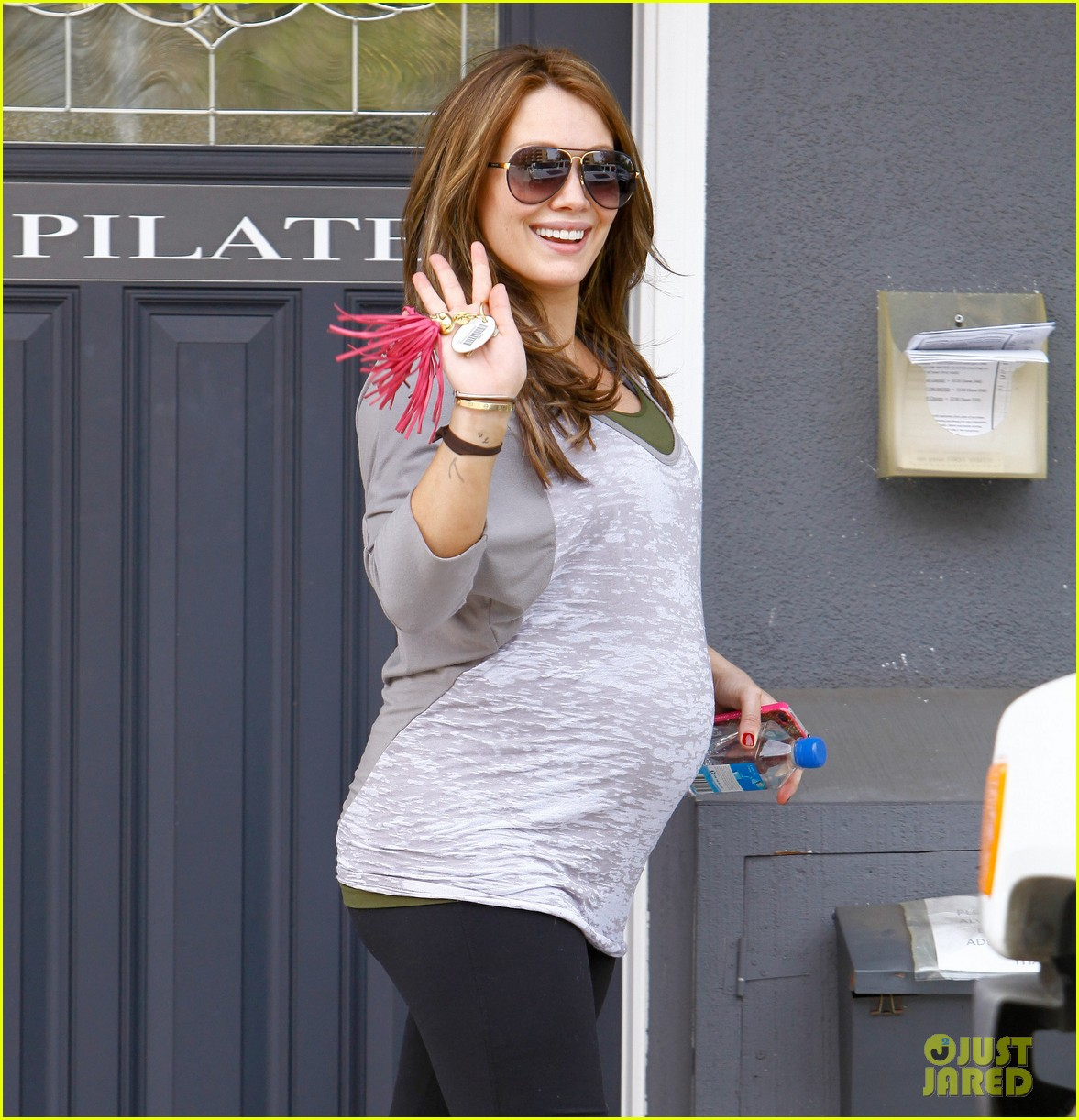hilary duff pilates workout 01