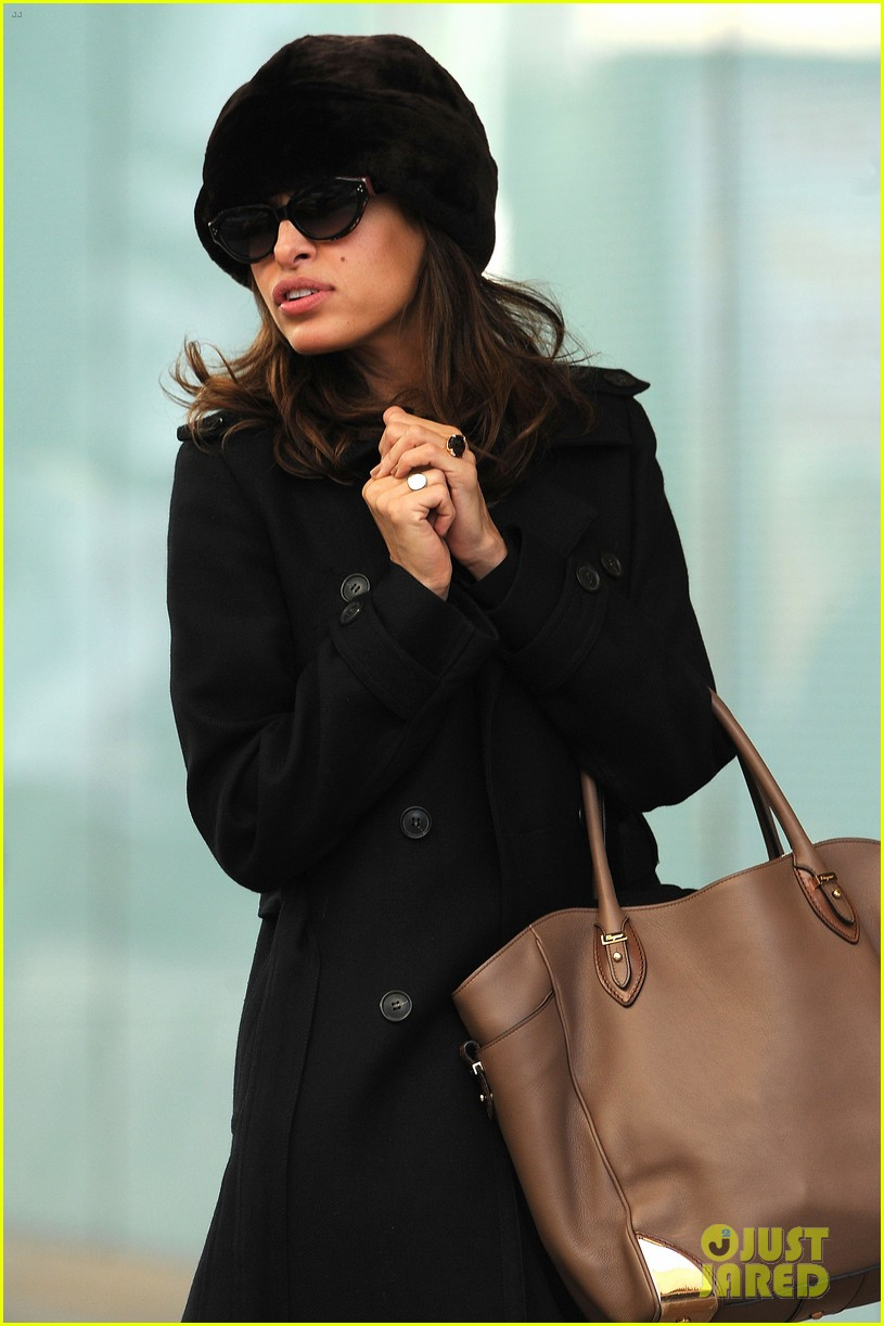 ryan gosling eva mendes day out in new york 01