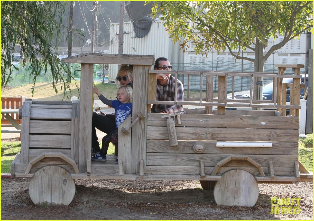 gwen stefani farm 03