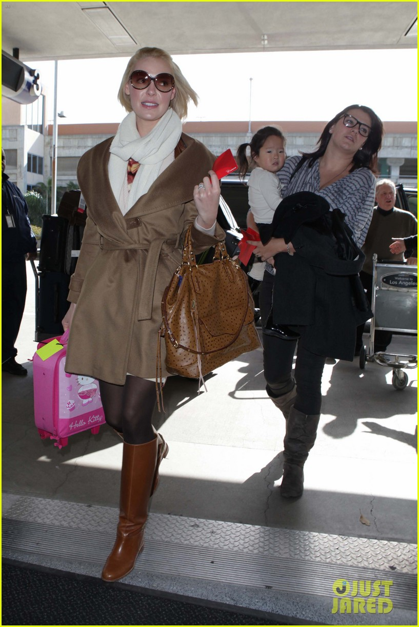 katherine heigl nancy flight lax 01