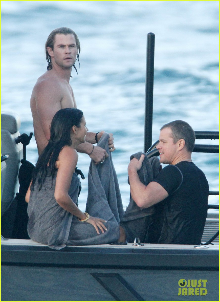 chris hemsworth elsa pataky vacation damons 05